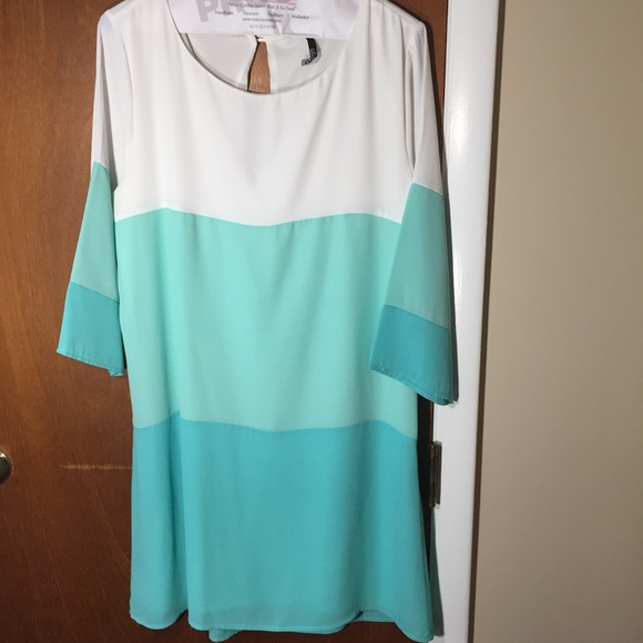 Lulu's Dresses & Skirts - lulus teal and white color block dress ❤️👗